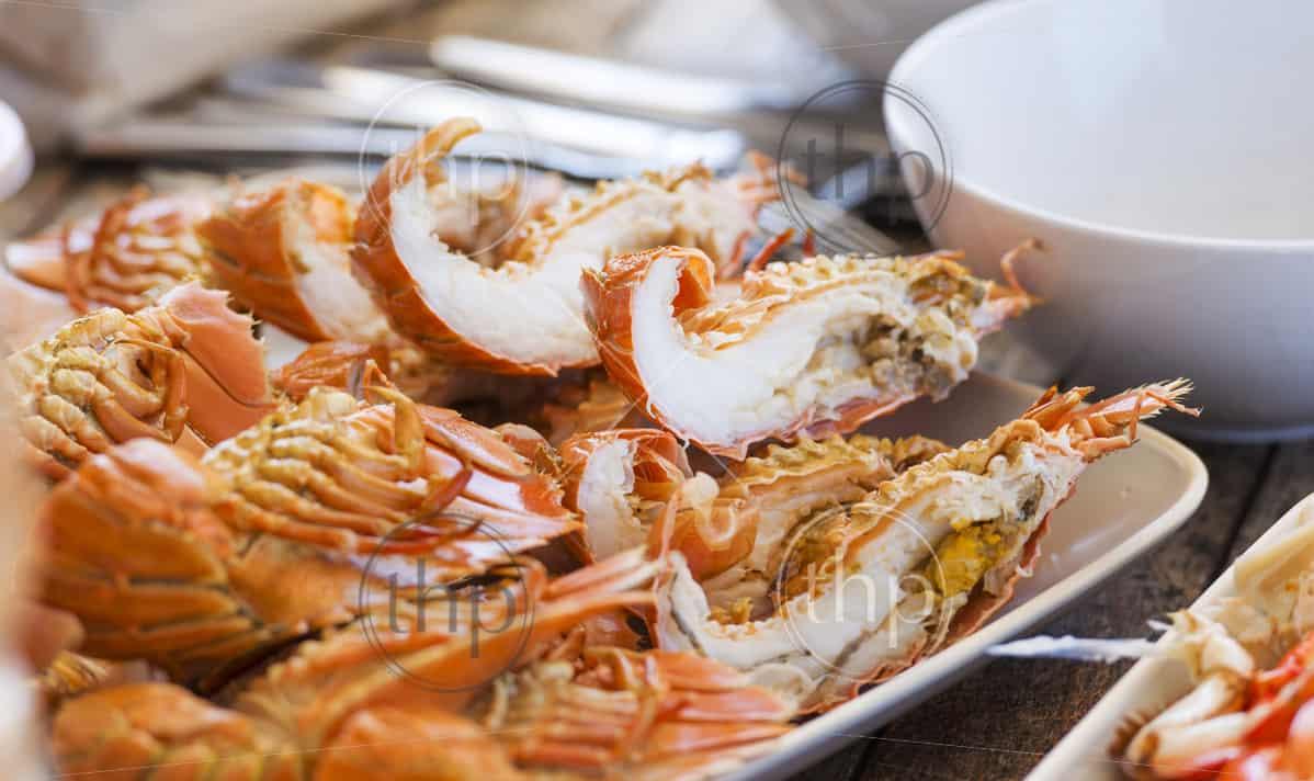 Seafood platter of Moreton Bay Bugs and ...